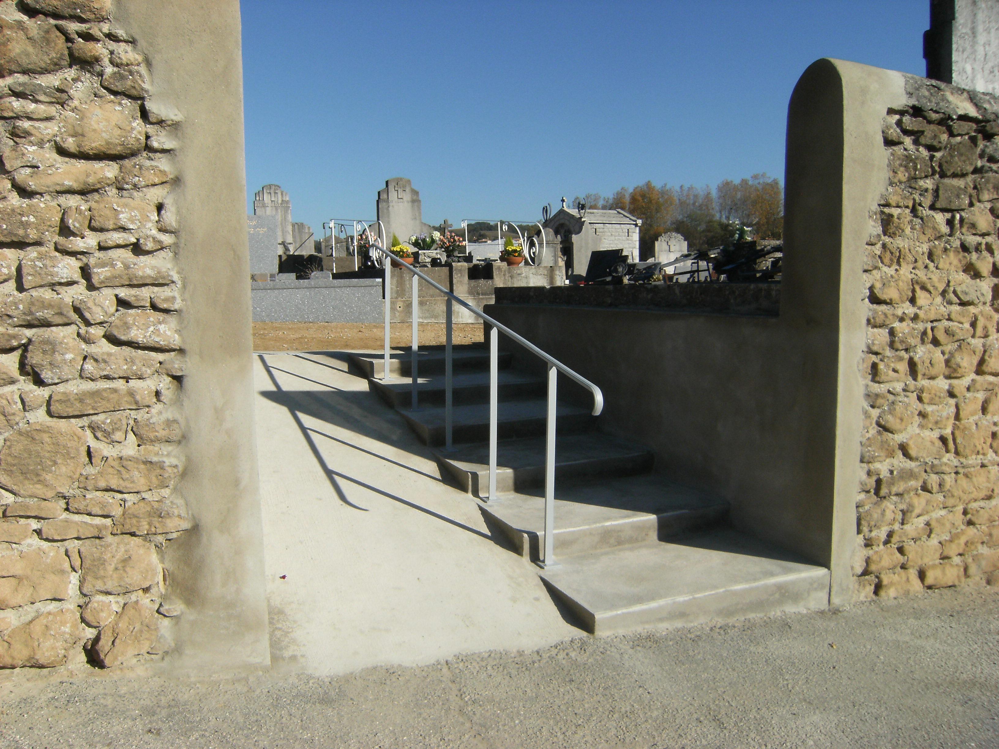 Création d'un passage entre deux cimetières